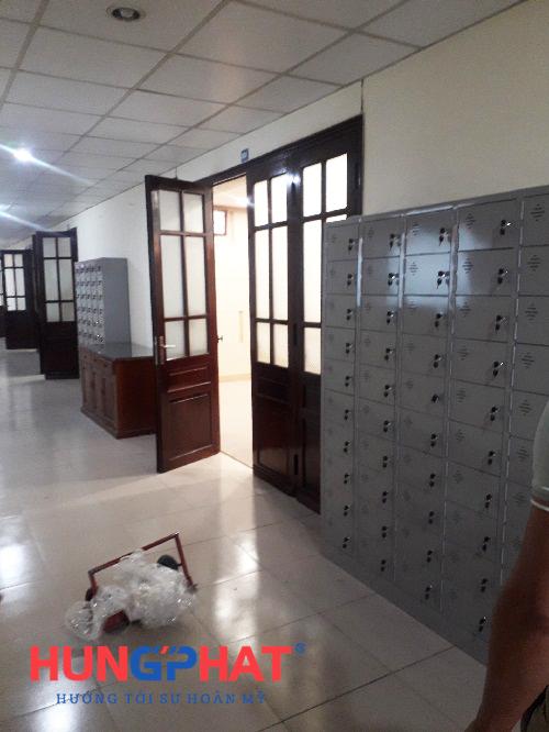 Tủ locker 50 ngăn để điện thoại tại 1B Nguyễn Tri Phương 1