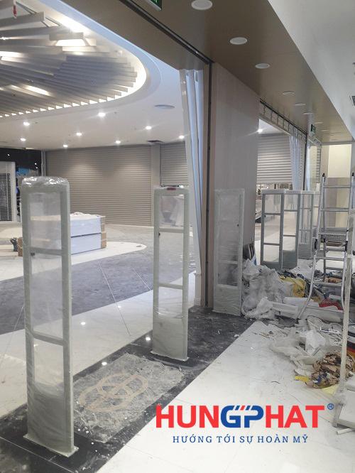 Lắp đặt 4 bộ cổng từ S2028 cho thời trang Elise tại Aeon mall, Hà Đông