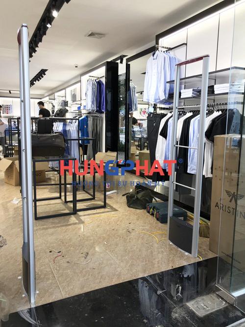 Lắp đặt cổng từ an ninh EG632 tại cửa hàng thời trang Aristino Tp. Bắc Giang 2