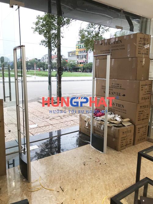 Lắp đặt cổng từ an ninh EG632 tại cửa hàng thời trang Aristino Tp. Bắc Giang 1