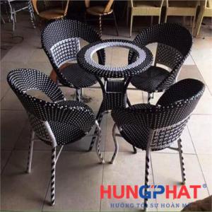 Bàn ghế cafe chân choãi