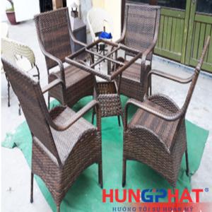 Bàn ghế cafe kiểu ghế bắc vằn