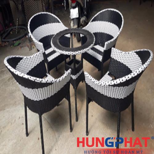 Bàn ghế cafe kiểu ghế sò đan khoang