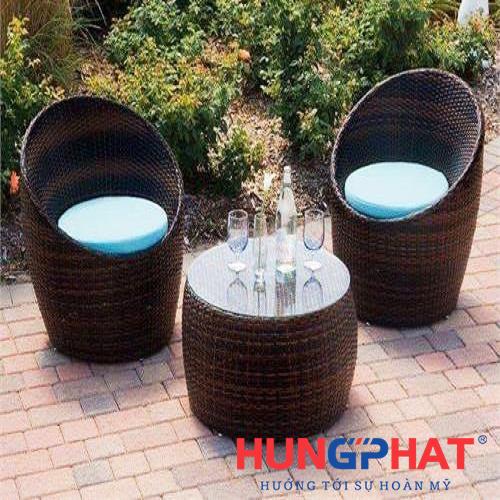 Bàn ghế cafe kiểu ghế trứng đan khít