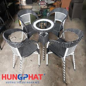 Bàn ghế cafe tay vặn bàn tròn