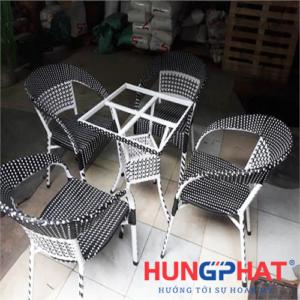 Bàn ghế cafe tay vặn bàn vuông
