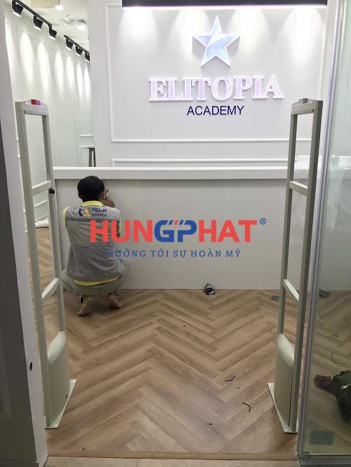 Lắp đặt cổng từ an ninh S2028 tại trung tâm tiếng anh Elitopia Academy 2