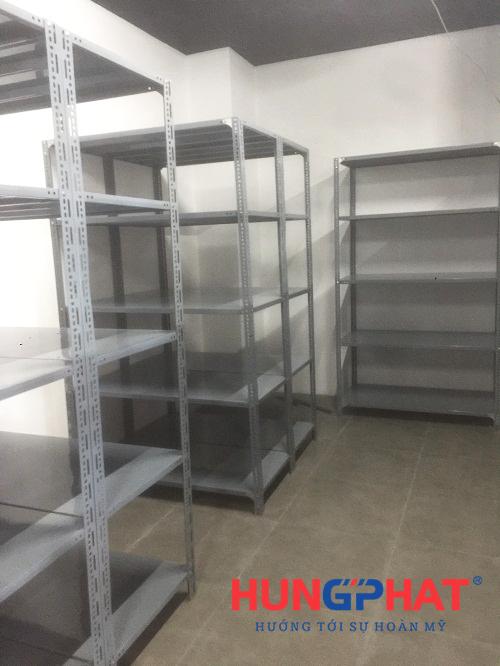 Kệ kho chứa hàng lắp đặt tại Vincom Bà Triệu 3