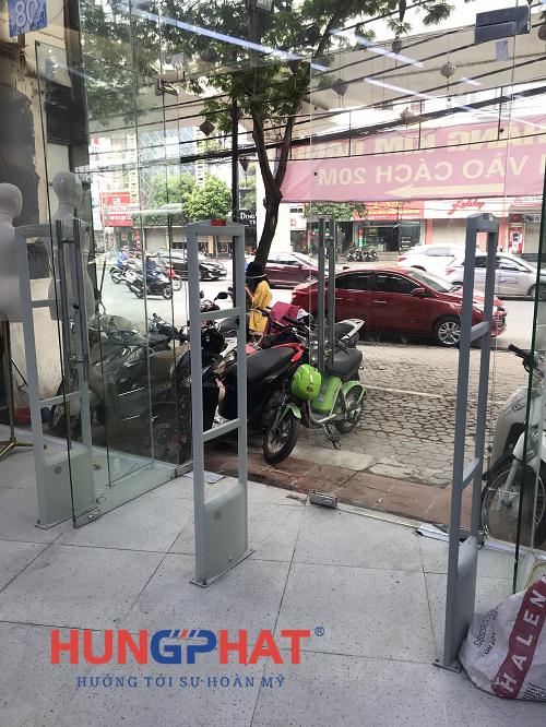 Lắp đặt cổng từ an ninh EG-1122 tại Friday Shop 47 Hồ Tùng Mậu1