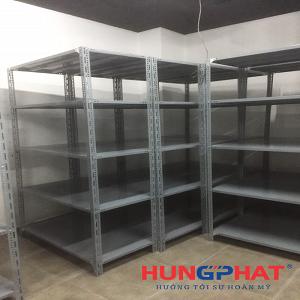 Lắp đặt 6 bộ kệ kho chứa hàng 5 sàn tại Vincom Bà Triệu