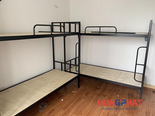 Lắp đặt 6 bộ giường 2 tầng sắt đen tại tòa nhà 96 Định Công1