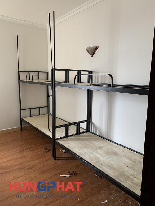 Lắp đặt 6 bộ giường 2 tầng sắt đen tại tòa nhà 96 Định Công2