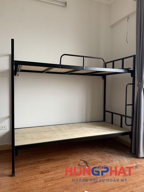 Lắp đặt 6 bộ giường 2 tầng sắt đen tại tòa nhà 96 Định Công3
