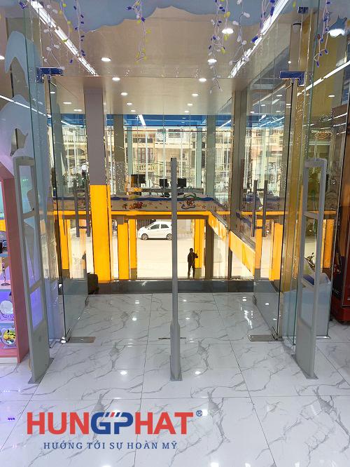 Lắp đặt cổng từ S2028 3 cánh tại Nhà sách Tiến Thọ, Bắc Giang2