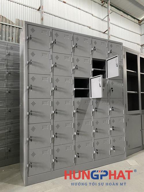 Tủ locker 30 ngăn thêm khay phân phối tại Acecook Việt Nam 2