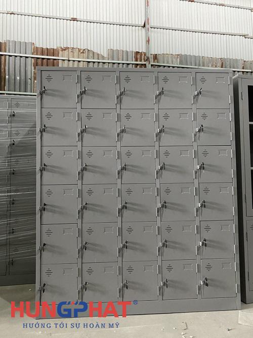 Tủ locker 30 ngăn thêm khay phân phối tại Acecook Việt Nam 1