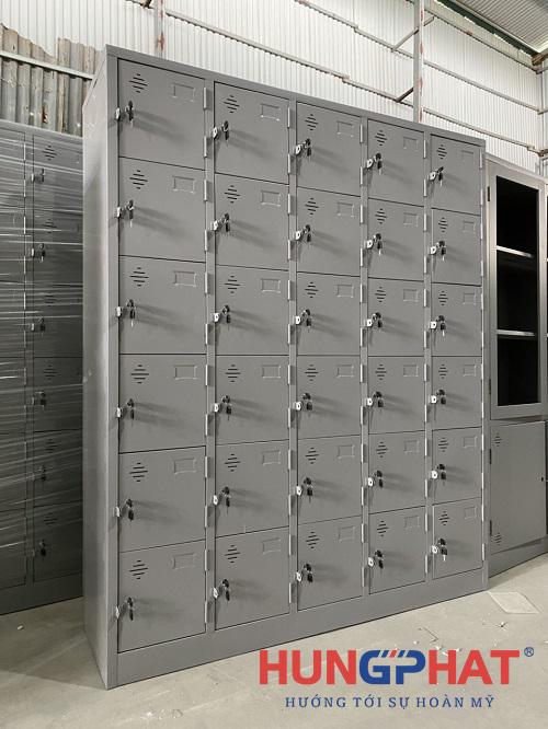 Tủ locker 30 ngăn thêm khay phân phối tại Acecook Việt Nam 3